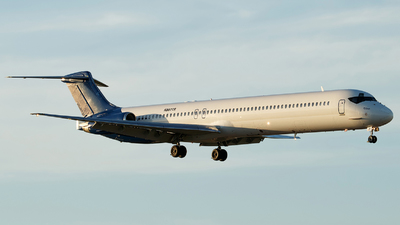 A picture of N807TR - McDonnell Douglas MD83 - World Atlantic Airlines - © Orlando Suarez