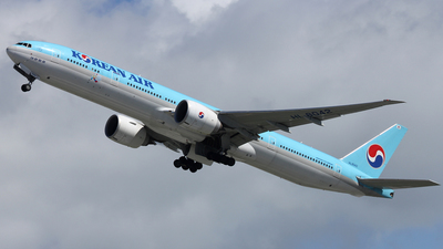 HL8042 - Boeing 777-3B5ER - Korean Air
