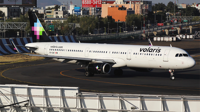 A picture of XAVLW - Airbus A321231 - Volaris - © Alejandro Aceves