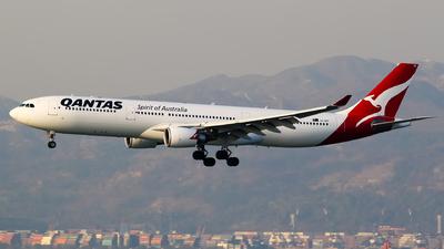 VH-QPF - Airbus A330-303 - Qantas