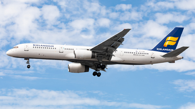 TF-FIW - Boeing 757-27B - Icelandair