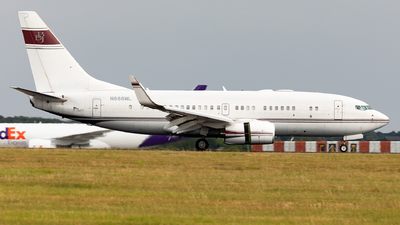 N666ML - Boeing 737-7BC(BBJ) - Private