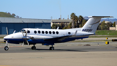 N400AY - Beechcraft 300LW Super King Air - Private