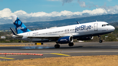 A picture of N828JB - Airbus A320232 - JetBlue Airways - © Alfredo La Red