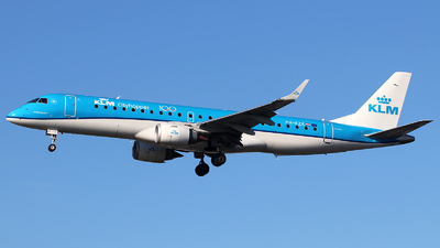 A picture of PHEZK - Embraer E190STD - KLM - © n94504