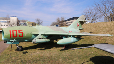 105 - WSK-Mielec Lim-6bis - Poland - Air Force