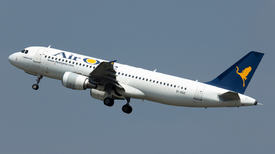 EI-DSZ - Airbus A320-216 - Alitalia