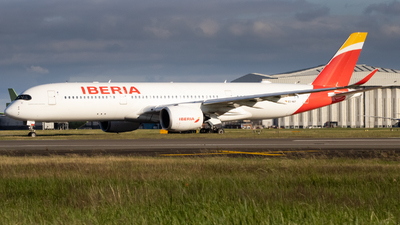 A picture of ECNGT - Airbus A350941 - Iberia - © Ethan Sewell