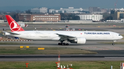 TC-LKA - Boeing 777-36NER - Turkish Airlines