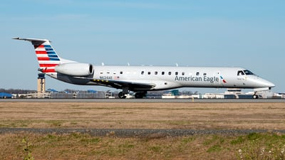 A picture of N624AE - Embraer ERJ145LR - American Airlines - © Yan777