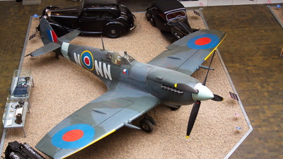 TE565 - Supermarine Spitfire LF.9E - United Kingdom - Royal Air Force (RAF)