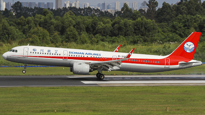 A picture of B30CS - Airbus A321271N - Sichuan Airlines - © zjs