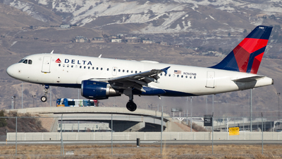 A picture of N360NB - Airbus A319114 - Delta Air Lines - © John Marzo