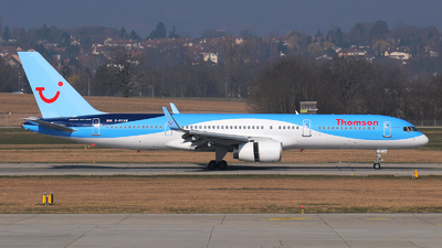 G-BYAW - Boeing 757-204 - Thomson Airways