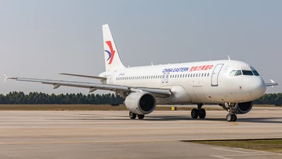 B-6002 - Airbus A320-214 - China Eastern Airlines