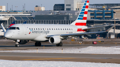 A picture of N243NN - Embraer E175LR - American Airlines - © Alec Mollenhauer