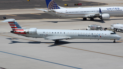 A picture of N910FJ - Mitsubishi CRJ900ER - American Airlines - © Alexander Aston