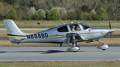 A picture of N888BD - Cirrus SR20 - [2280] - © Kevin Porter