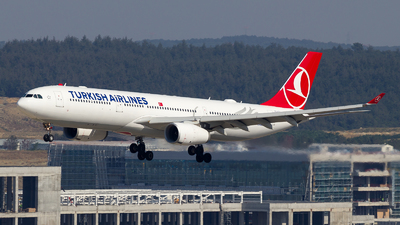TC-LOJ - Airbus A330-343 - Turkish Airlines