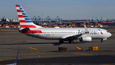 A picture of N301NW - Boeing 737823 - American Airlines - © Rocky Wang