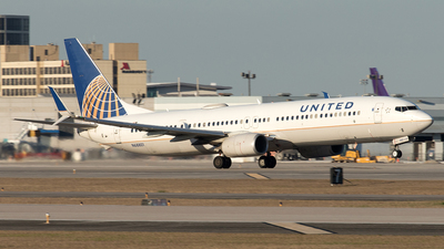 A picture of N68801 - Boeing 737924(ER) - United Airlines - © Yixin Chen