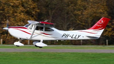 PH-LLY - Cessna T182T Skylane TC - Private