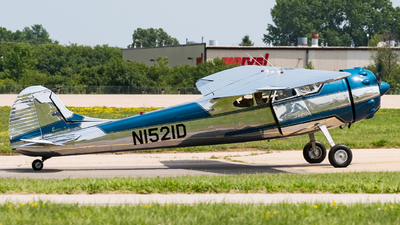 N1521D - Cessna 195A - Private