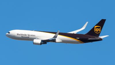 A picture of N308UP - Boeing 76734AF(ER) - UPS Airlines - © Juan Pablo MS