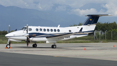 HK-5004 - Beechcraft B300 King Air 350 - Private