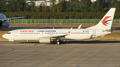 B-5492 - Boeing 737-89P - China Eastern Airlines