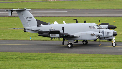 93-00698 - Beechcraft RC-12X Guardrail - United States - US Army