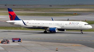 N334DN - Airbus A321-211 - Delta Air Lines