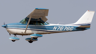 A picture of N7676G - Cessna 172L Skyhawk - [17259376] - © CJMoeser