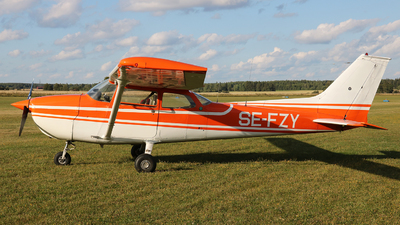 SE-FZY - Reims-Cessna F172M Skyhawk - Private