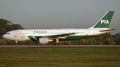 AP-BBV - Airbus A300B4-203 - Pakistan International Airlines (PIA)
