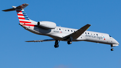 A picture of N609DP - Embraer ERJ145LR - American Airlines - © Martin Pinnau