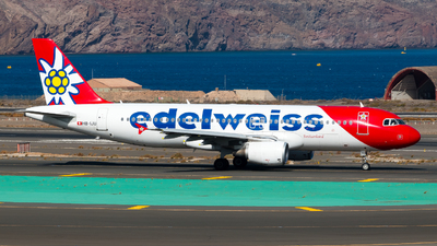 A picture of HBIJU - Airbus A320214 - Edelweiss Air - © Pablo Gonzalez de Leon