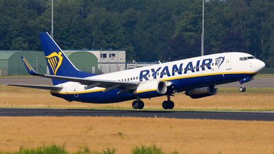 A picture of EIEXF - Boeing 7378AS - Ryanair - © BaszB