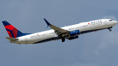 A picture of N907DN - Boeing 737932(ER) - Delta Air Lines - © Hector Rivera-HR Planespotter