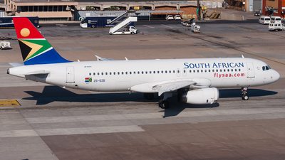 ZS-SFM - Airbus A319-113 - South African Airways