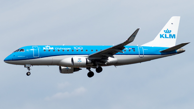 A picture of PHEXL - Embraer E175STD - KLM - © Marco Materlik