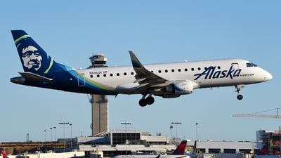 A picture of N636QX - Embraer E175LR - Alaska Airlines - © Rocky Wang