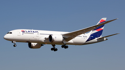 A picture of CCBBJ - Boeing 7878 Dreamliner - LATAM Airlines - © Carlos P. Valle C.