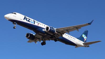 A picture of PRAUP - Embraer E195AR - Azul Linhas Aereas - © Altino Dantas