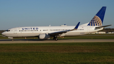 N33209 - Boeing 737-824 - United Airlines