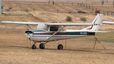 VH-KPJ - Cessna 150G - Private