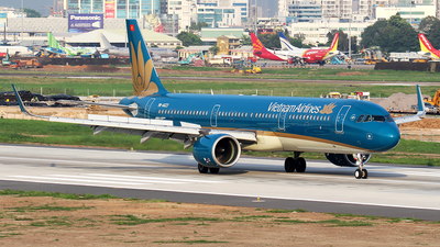 A picture of VNA623 - Airbus A321272N - Vietnam Airlines - © Huy Do