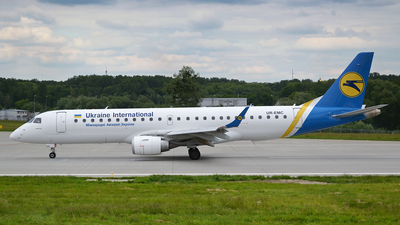 UR-EMC - Embraer 190-100STD - Ukraine International Airlines
