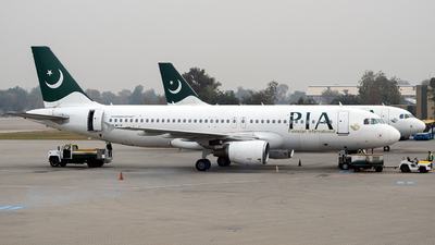 A picture of APBLV - Airbus A320214 - Pakistan International Airlines - © Jet92