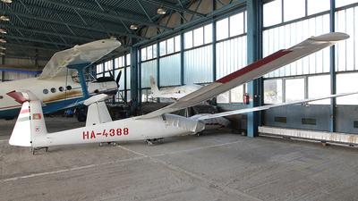 HA-4388 - SZD 30 Pirat - Private